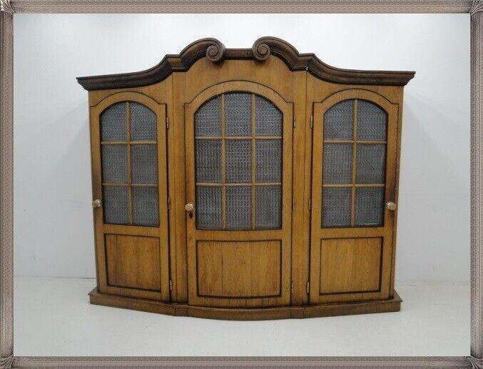 2030-Beichtstuhl-Confessional-Kircheneinrichtung-geschlossener Beichtstuhl-3teil 0