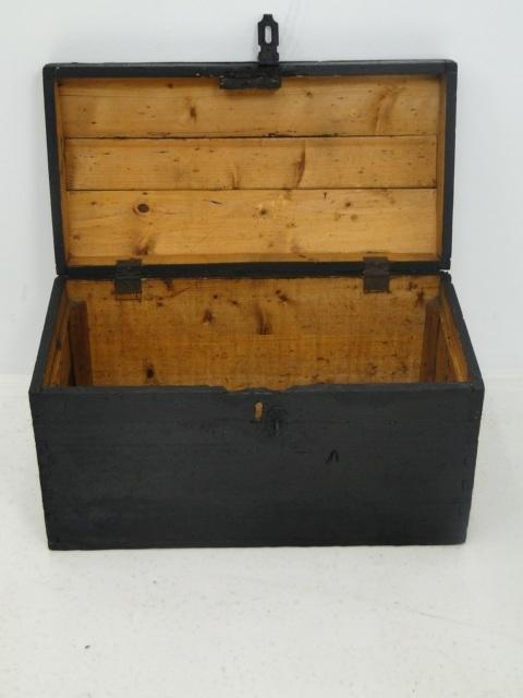 3694-Schatztruhe-Schatzkiste-Truhe um 1900-Holzkiste-Kiste um 1900-Holzkiste 2