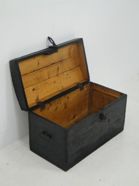 3694-Schatztruhe-Schatzkiste-Truhe um 1900-Holzkiste-Kiste um 1900-Holzkiste 3