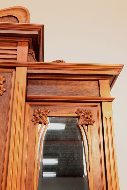 Wunderschönes siebenteiliges Nussbaum Jugendstil Schlafzimmer Antik ...