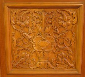 Heller Bücherschrank / Highboard aus der Neorenaissance um 1930 Antik Kolosseum 13