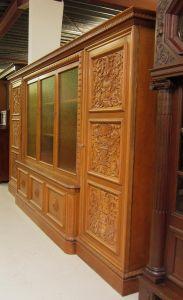 Heller Bücherschrank / Highboard aus der Neorenaissance um 1930 Antik Kolosseum 4