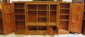 Heller Bücherschrank / Highboard aus der Neorenaissance um 1930 Antik Kolosseum 5