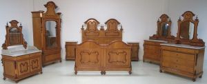 Seltenes komplettes 8-teiliges Louis Philippe Schlafzimmer Antik Kolosseum