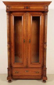 Elegante Gründerzeit Vitrine mit Vollsäulen gefertigt um 1900 Antik Kolosseum