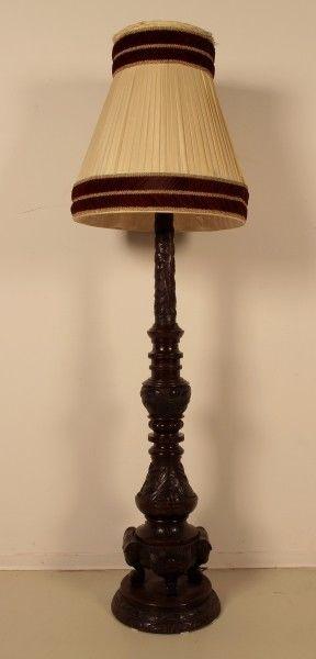 Seltene Gründerzeit Stehlampe mit schönem Schnitzwerk Antik Kolosseum