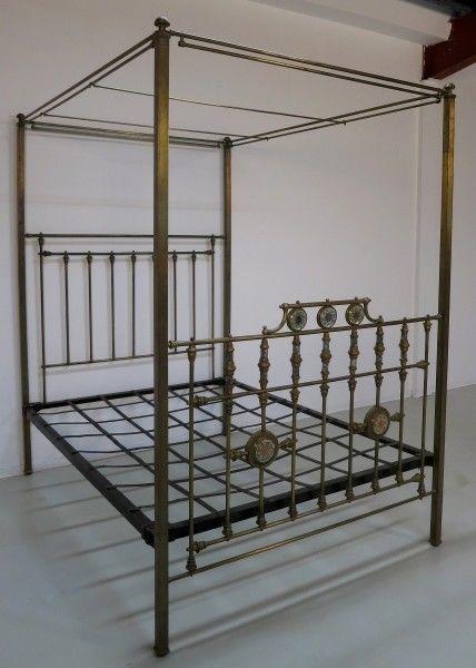 Jugendstil Himmelbett aus Messing mit Perlmuteinalgen um 1900 Antik Kolosseum 1