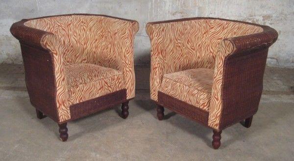 Zwei elegante Desiner Sessel gefertigt in den 70iger Jahren Antik Kolosseum