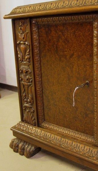 Restaurierter Nussbaum Neorenaissane Schreibtisch mit LöwentatzenAntik Kolosseum 6