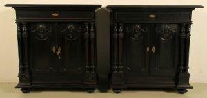 Zauberhaftes ebonisiertes Gründerzeit Vertiko Paar Antik Kolosseum