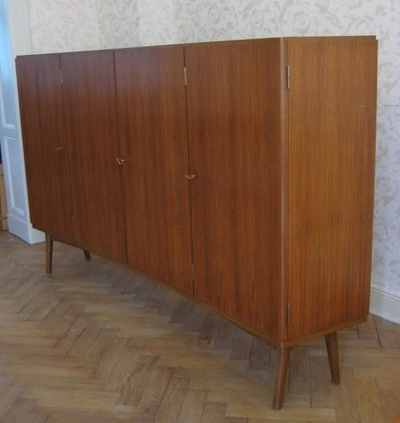 art deko sideboard highboard aus teakholz nach innen geschwungen antik kolosseum nr. Black Bedroom Furniture Sets. Home Design Ideas