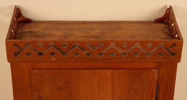 Restaurierter süddeutscher Hängeschrank gefertigt um 1800 Antik Kolosseum 4