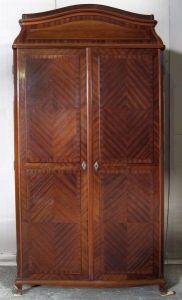Einzigartiger Mahagoni Sakristei- Kleiderschrank um 1900 gefert. Antik Kolosseum