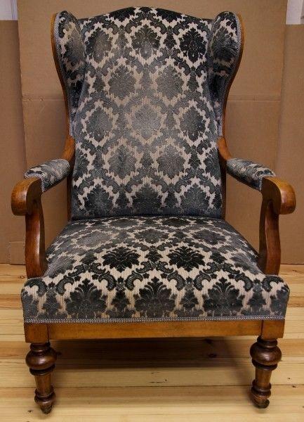 Zauberhafter Biedermeier Ohrenbacken Sessel aus Kirschholz Antik Kolosseum 0