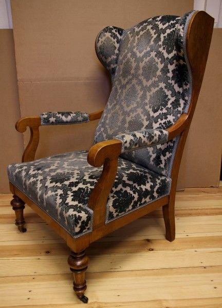 Zauberhafter Biedermeier Ohrenbacken Sessel aus Kirschholz Antik Kolosseum 1