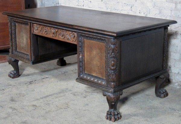 Neorenaissance Schreibtisch aus Nussbaum und Eiche um 1920 Antik Kolosseum