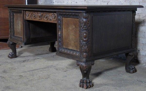 Neorenaissance Schreibtisch aus Nussbaum und Eiche um 1920 Antik Kolosseum 1