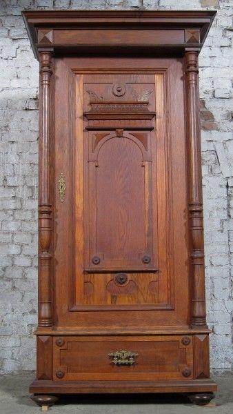 Berliner Gründerzeit Säulen- Schrank aus Eiche gefertigt um 1900 Antik Kolosseum 1