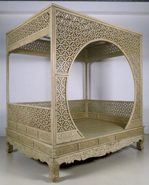Original chinesisches Himmelbett mit schönen Schnitzereien Antik Kolosseum 1