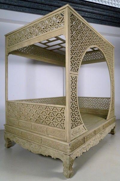 Original chinesisches Himmelbett mit schönen Schnitzereien Antik Kolosseum 2