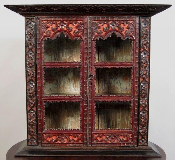 Koloniale Teakholz Vitrine gefertigt um 1850 in Indonesien Antik Kolosseum 0