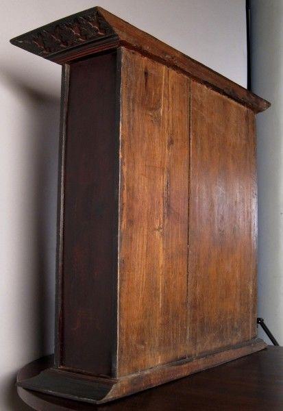Koloniale Teakholz Vitrine gefertigt um 1850 in Indonesien Antik Kolosseum 4
