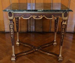 Höfischer Barock Salon- Tisch aus Frankreich gefertigt um 1780 Antik Kolosseum