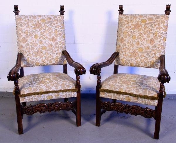 zwei elegante armlehner aus nussbaum gefertigt um 1910 antik kolosseum nr 391868430367. Black Bedroom Furniture Sets. Home Design Ideas