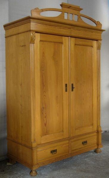 formsch ner weichholz kleiderschrank aus dem jugendstil antik kolosseum nr 391868449617. Black Bedroom Furniture Sets. Home Design Ideas