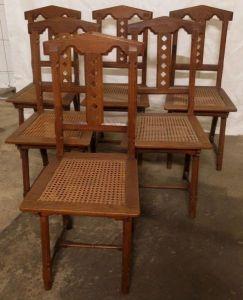 Sechs hübsche Stühle aus der Neogotik gefertigt um 1900 aus EicheAntik Kolosseum