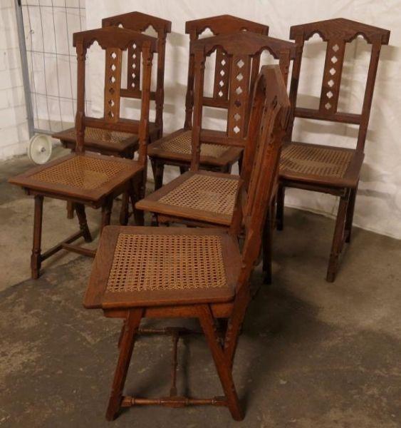 Sechs hübsche Stühle aus der Neogotik gefertigt um 1900 aus EicheAntik Kolosseum 2