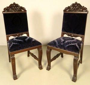 Zwei Neorenaissance Stühle aus Nussbaum mit blauem Polster Antik Kolosseum