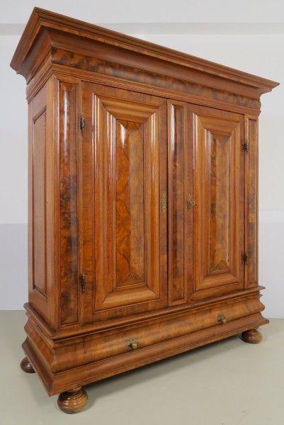 Original Wellschrank mit Schublade gefertigt um 1730 Antik Kolosseum