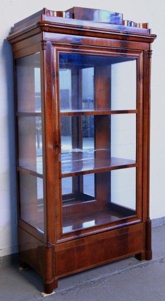Biedermeier Vitrine aus Mahagoni gefertigt um 1840 Antik Kolosseum