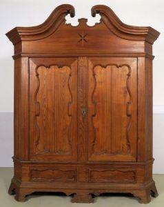 Seltener Braunschweiger Barock Kleiderschrank aus Eschenholz Antik Kolosseum