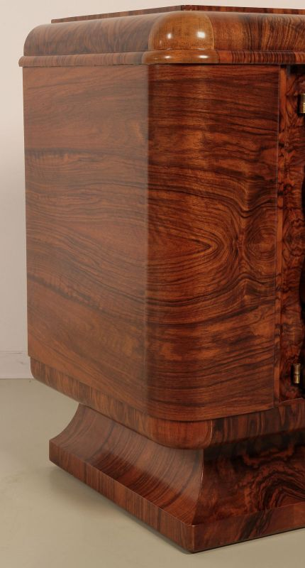 berliner art deco sideboard aus nussbaum gefert um 1920 antik kolosseum nr 391916020833. Black Bedroom Furniture Sets. Home Design Ideas