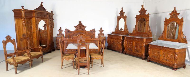 Unglaubliches 14-teiliges Gründerzeit Schlafzimmer aus Nussbaum Antik Kolosseum