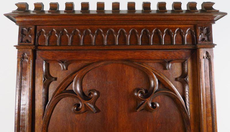 Restaurierter eintüriger Kleiderschrank aus der Neogotik Antik Kolosseum 4