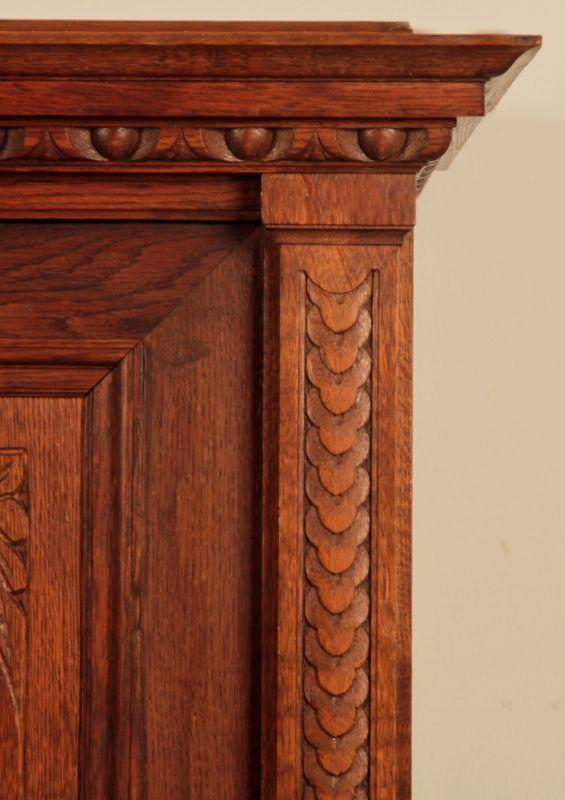 Schöner eintüriger Gründerzeit Besenschrank mit Engelsputte Antik Kolosseum 4