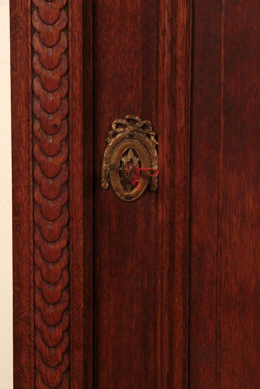 Schöner eintüriger Gründerzeit Besenschrank mit Engelsputte Antik Kolosseum 7