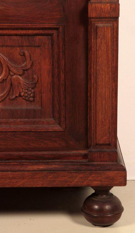 Schöner eintüriger Gründerzeit Besenschrank mit Engelsputte Antik Kolosseum 9