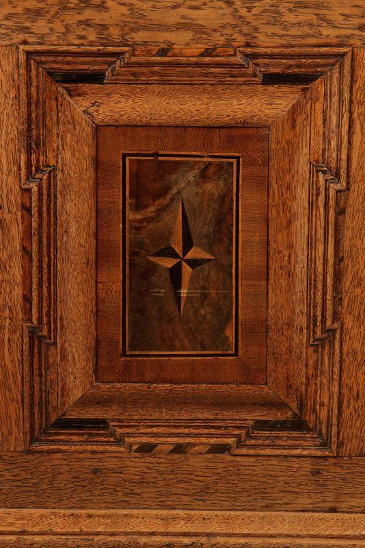 Schöne Barock Eiche Truhe von 1785 mit schönen Beschlägen Antik Kolosseum 8
