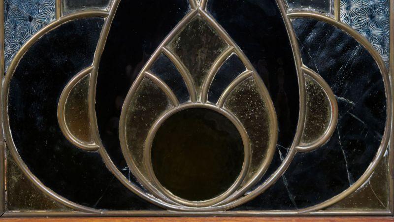 Gründerzeit Garderobenschrank mit Bank und kleiner Vitrine Antik Kolosseum 7