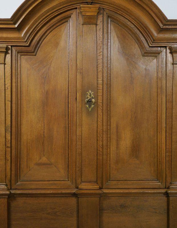 Restaurierter original Barock Kleiderschrank mit Rundbogen Antik Kolosseum 6
