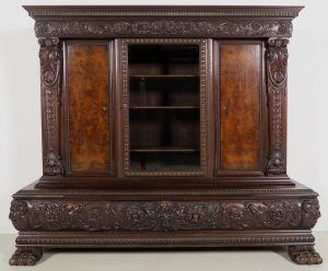 Monumentaler Neorenaissance Bücherschrank mit Widderköpfen Antik Kolosseum
