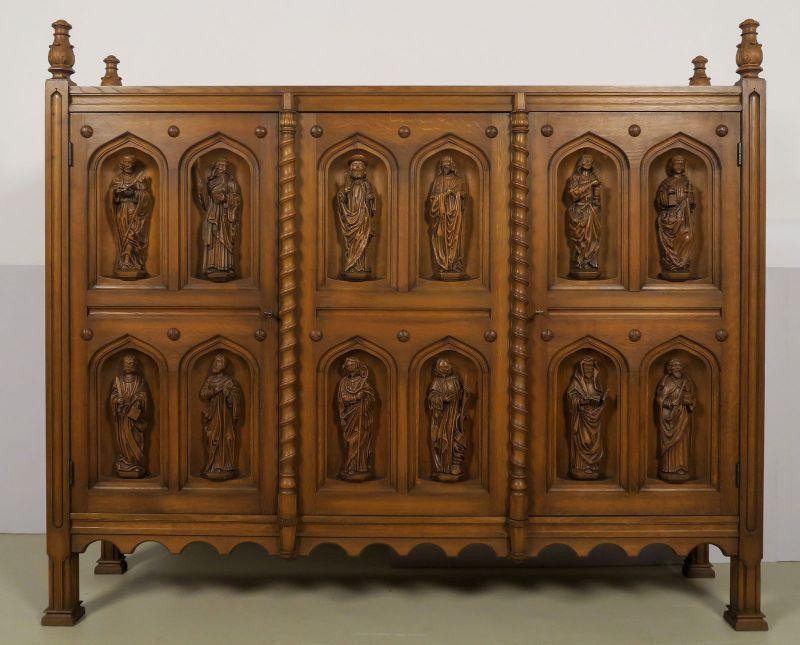 Original Apostelschrank mit zwölf figürlichen Darstellungen Antik Kolosseum 0