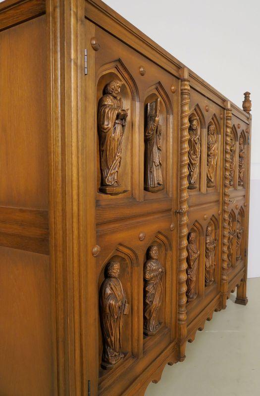 Original Apostelschrank mit zwölf figürlichen Darstellungen Antik Kolosseum 5