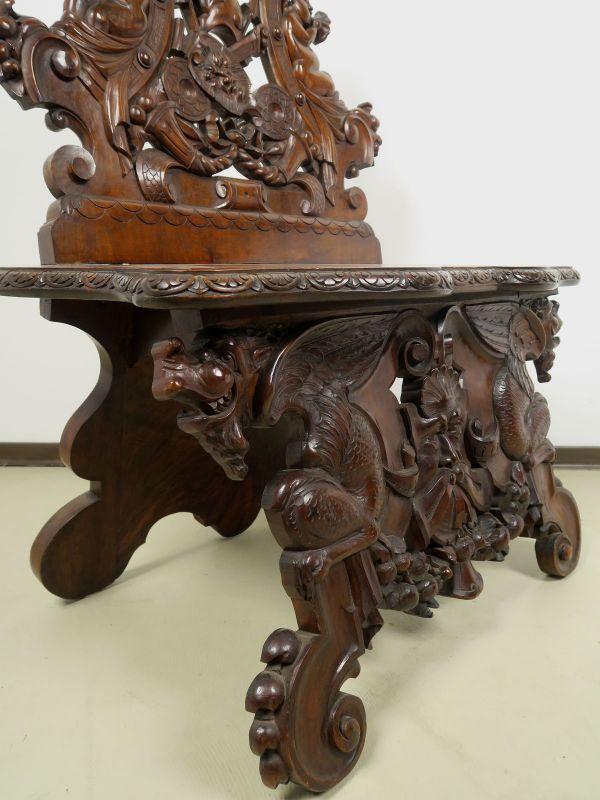 Geschnitzte Historismus Sitzbank gefertigt um 1880 aus Nussbaum Antik Kolosseum 6
