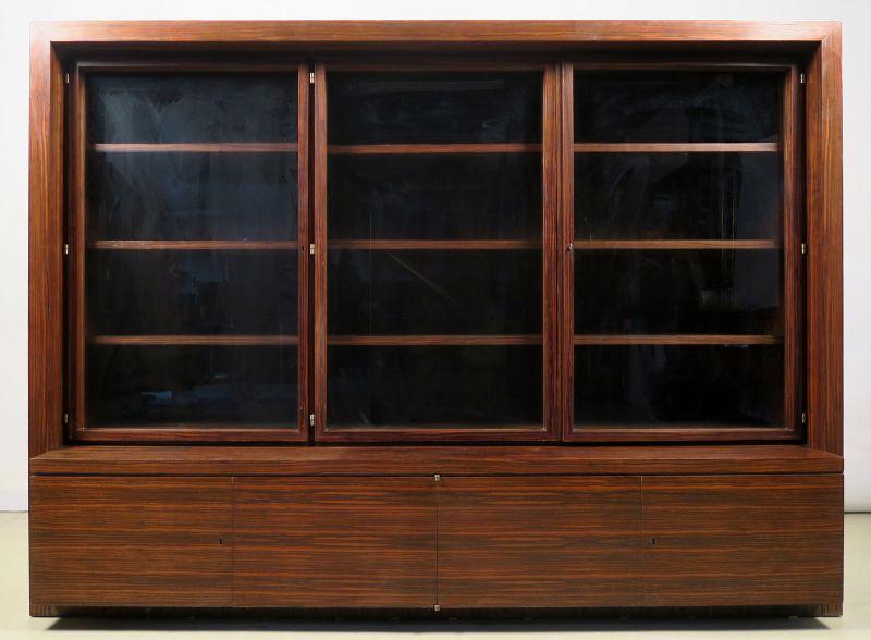 Funktionaler, eleganter Bauhaus Bücherschrank aus Macassar Antik Kolosseum 0