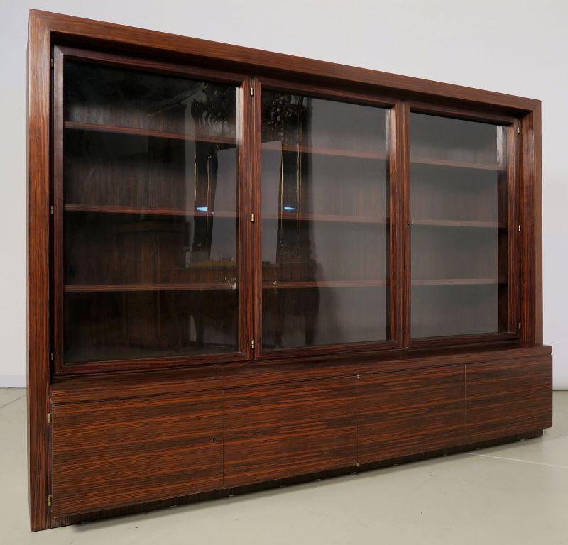 Funktionaler, eleganter Bauhaus Bücherschrank aus Macassar Antik Kolosseum 1